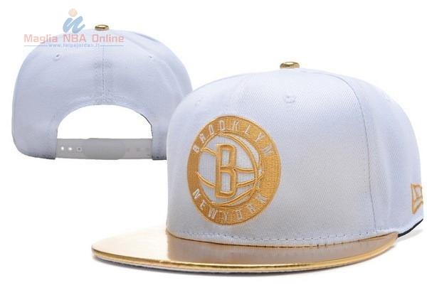 Acquista Cappelli 2016 Brooklyn Nets Bianco Oro Online.Divise basket ... db5ca09c7cd