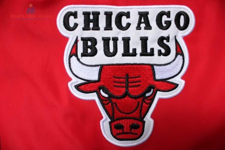 Acquista Giacca NBA Chicago Bulls Nero Rosso Online.Divise basket ... 6999e1cc0655